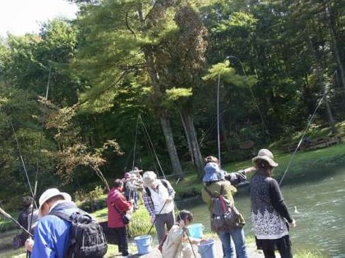 アイヌの伝統と文化に触れるびらとりまるごと体験グルメ 札幌発着 (10/14) 札幌