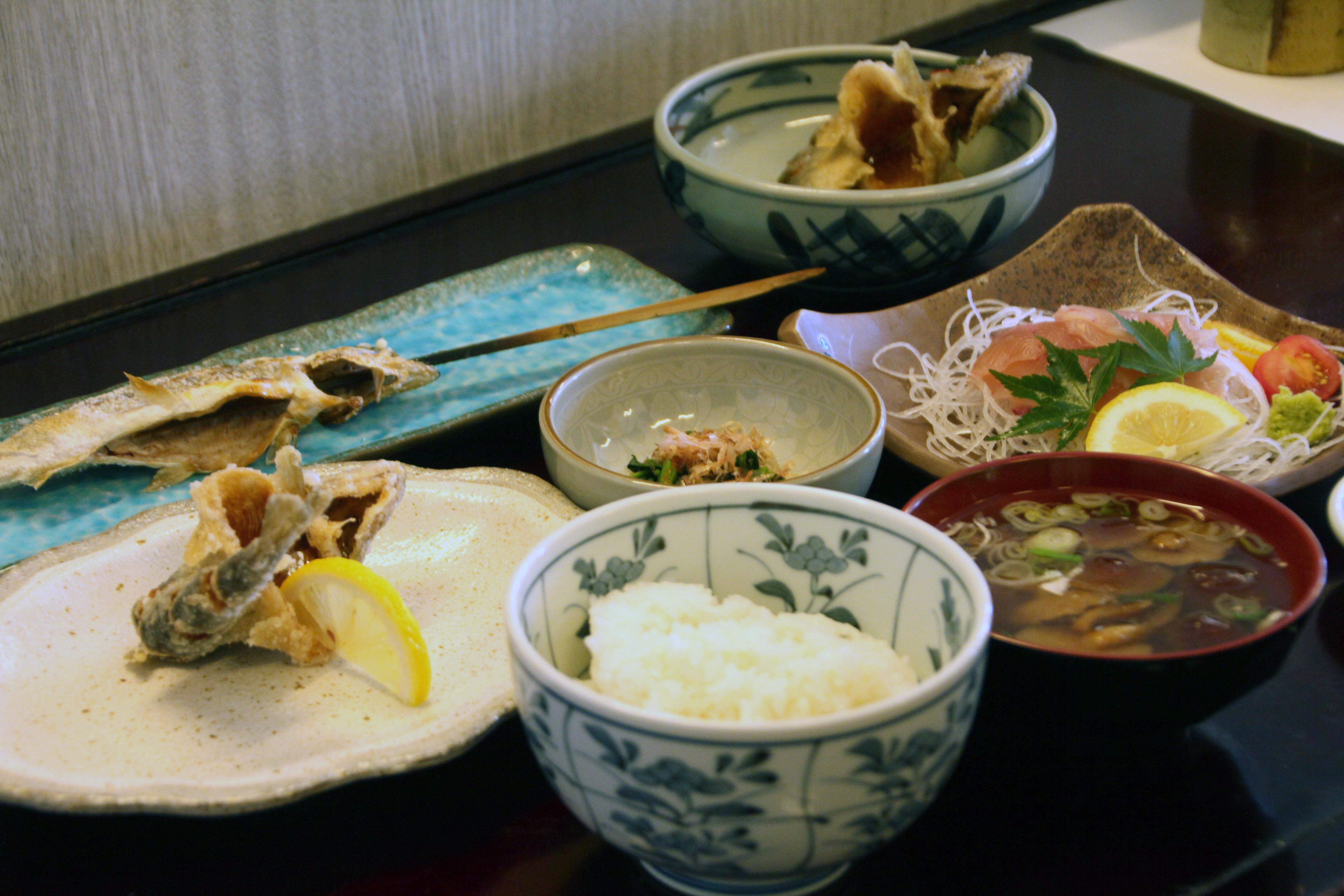 山女魚料理とオプシブプリの夕日 ウレクレクの響き 札幌発着 (6/25) 札幌