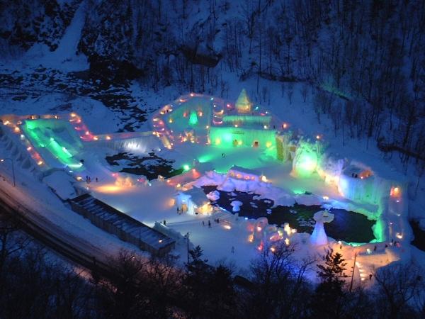 流氷クルージングに旭山動物園と層雲峡氷瀑まつり 札幌発着 (2/2) 札幌