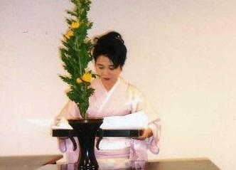 人気ファームレストランでランチを堪能 いけばな体験も 札幌発着 (10/18) 札幌