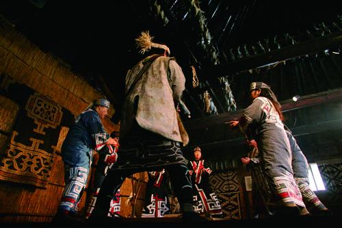 北海道の歴史を探る 平取町ヘリテージモニターツアー 札幌発着 (11/15) 札幌
