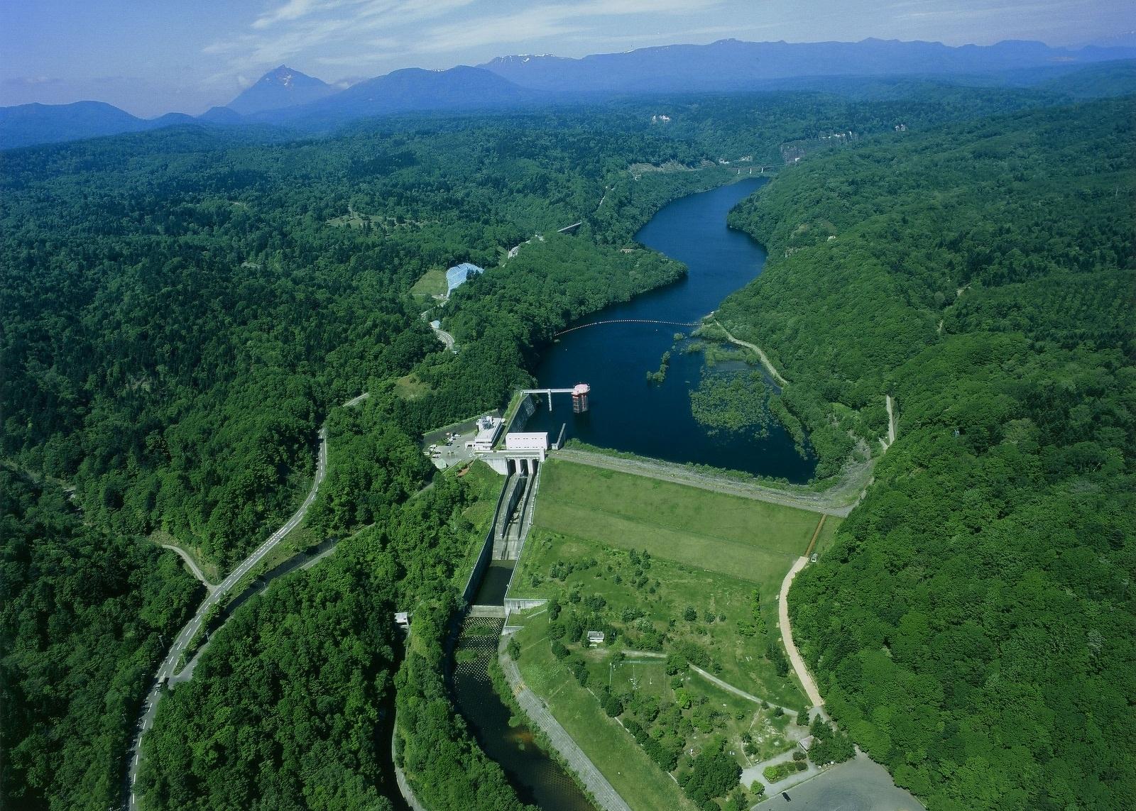 2つのダムを見学 漁川ダムと夕張シューパロダム  札幌発着 (6/4) 札幌